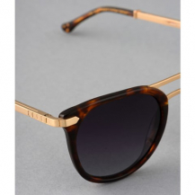 Branches épaisses et flexibles pour plus de confort ☀️ #model #IRS23#ironlunettes #ironparis #sunglasses